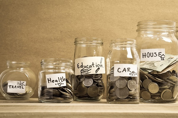 frugal living tips featured image