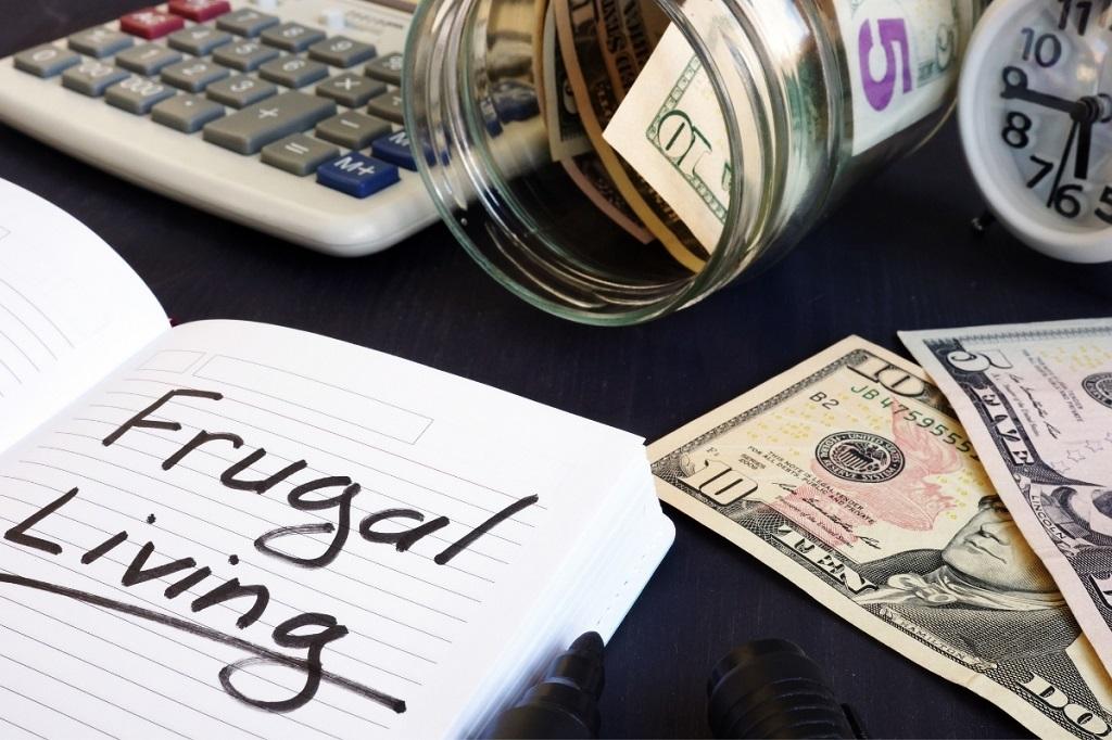 frugal living tips jar of cash