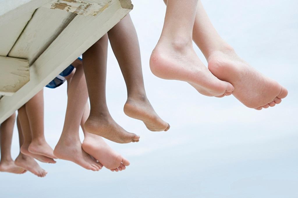 sell feet pics kids