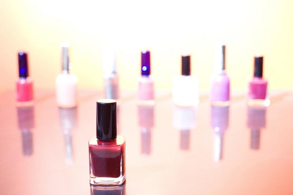 sell feet pics cosmetics